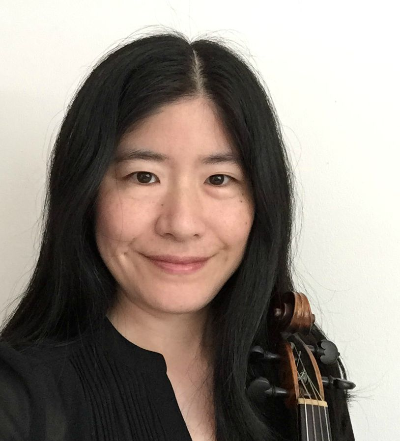 Courtney Kuroda (baroque violin)