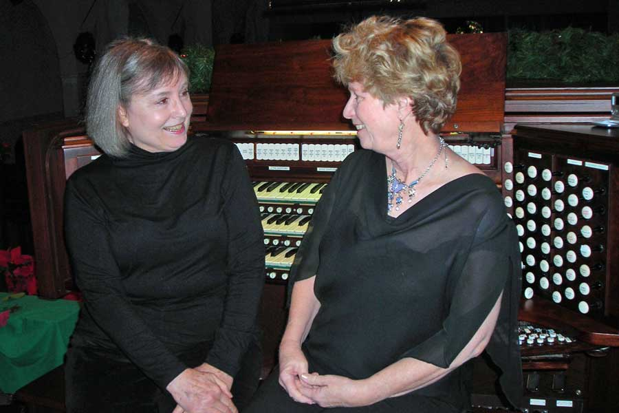 Organ Duo, Barbara King and Jennifer Puhl